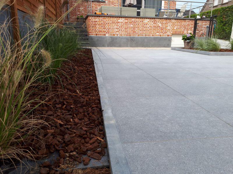 Ruim aanbod aan tuin- en terrastegels